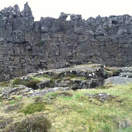 El Lögberg o Piedra de la Ley. Parque Nacional Þingvellir, Islandia.