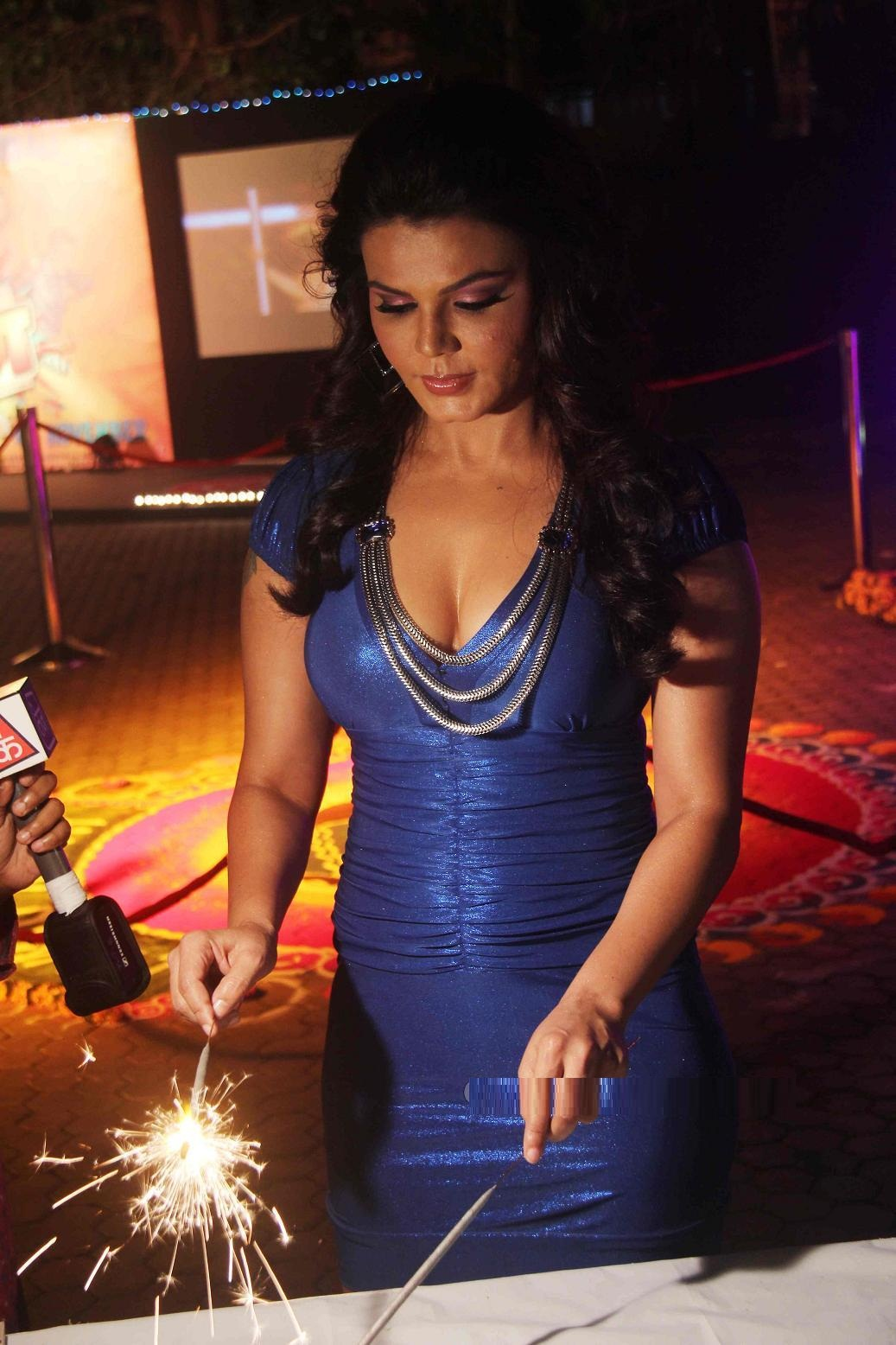 Rakhi Sawant Latest Hot Thighs Upskirt Photos -9661