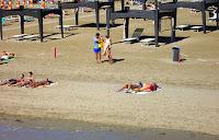 voľný pruh pláže