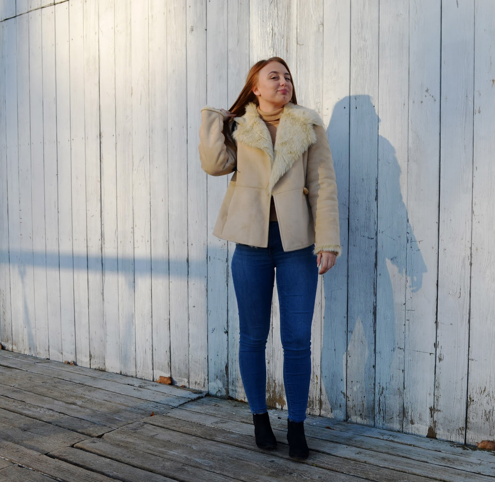 SHEEPSKIN COAT IN BEIGE