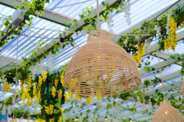 Flower canopies and bar at Pergola on the Roof