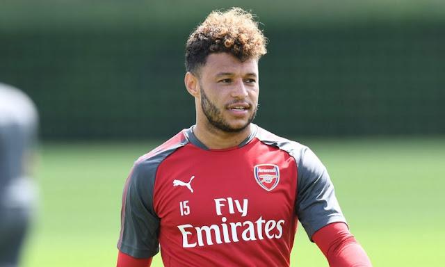 Chamberlain ra yêu sách với Arsenal