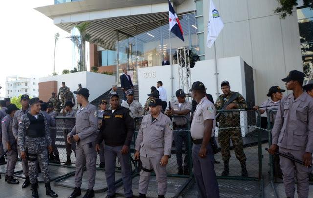 Despliegue militar obligó a choferes desistir de marcha