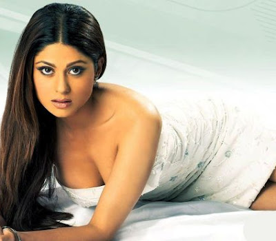 Shamita Shetty sizzling wallpapers