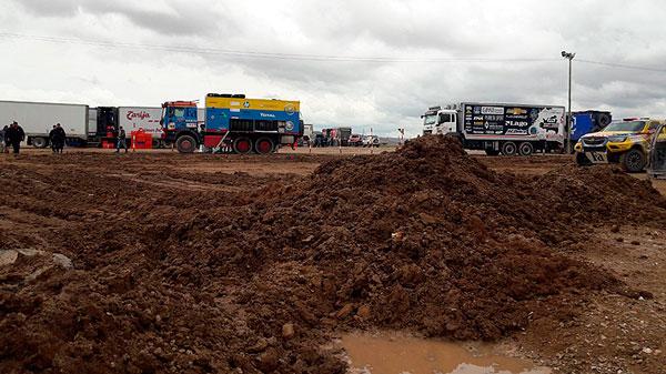 Inundaciones en el campamento de Tupiza provocó suspensión de la 9na. etapa del Dakar