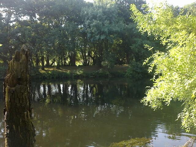 Río Tambre a su paso por Chaián