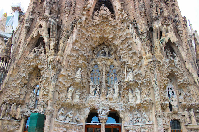 La Sagrada Familia | Chichi Mary Blog