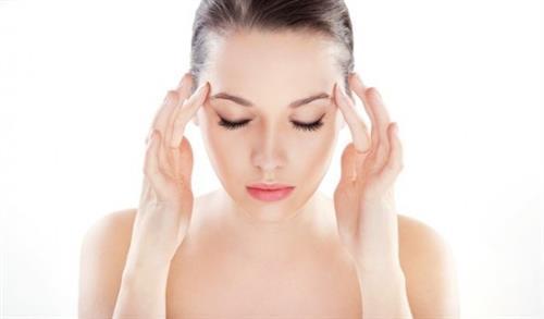 kem dưỡng mắt giúp hạn chế nếp nhăn thâm quầng