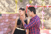 Vasthunadu Movie Stills-thumbnail-6
