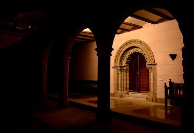 Exterior_Museo_Episcopal_Huesca.JPG
