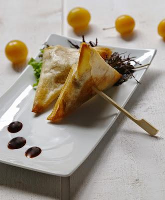 mirabelles , pâte filo, chèvre , samoussas