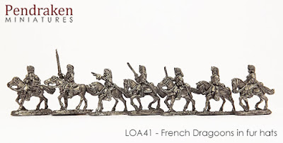 LOA42   Allied Dragoons in fur hats (15 figures, inc. command)