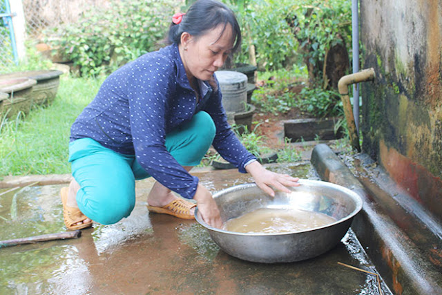 người dân mòi mỏi chờ nước sạch tại Quảng Ngãi