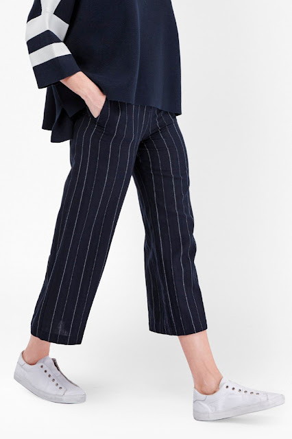 flared cropped trousers,