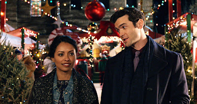 The Holiday Calendar 2018 Netflix movie still Kat Graham Ethan Peck