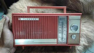 Dijual Koleksi Radio Antik Merk Tjawang Murmer saja