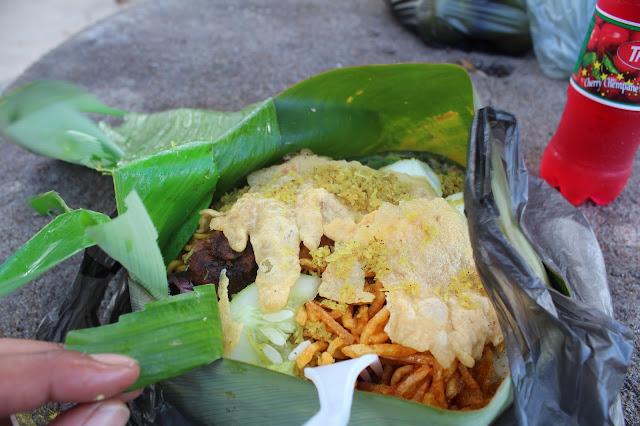 food banana leaves