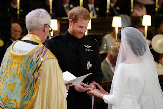 Casamento Real Fotos do Vestidos com Véu de 5 Metros e Decoração da Igreja para o seu Casamento.