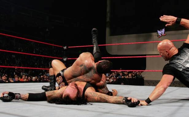 Historia del Wrestling: The Undertaker vs Batista, Cyber