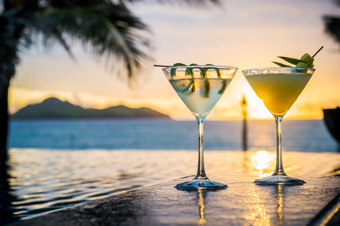 amazingexplore tokoriki-cocktails-Tokoriki Island Resort fo best honeymoon destination sweet couples