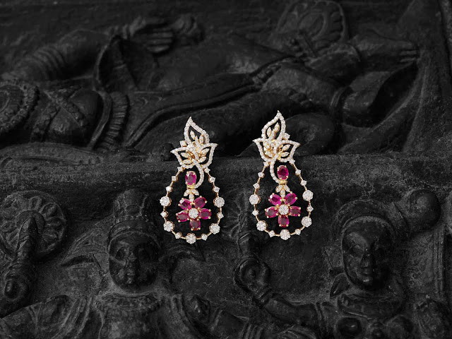 Navrathan unveils its glamorous Show Stopper Collection.