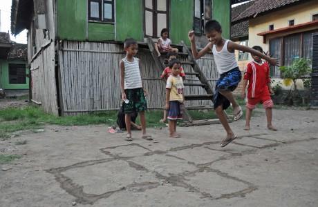 Dari Nusantara Mengenal Permaian Tradisional Engklek