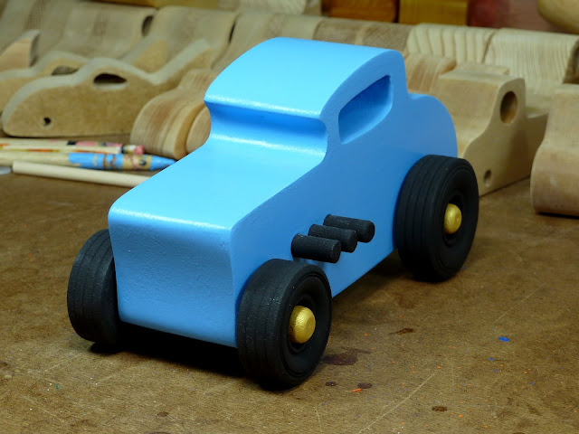 20170522-193822 Wooden Toy Car - Hot Rod Freaky Ford - 32 Deuce Coupe - MDF - Blue - Black - Gold