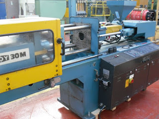 mesin molding plastik manual