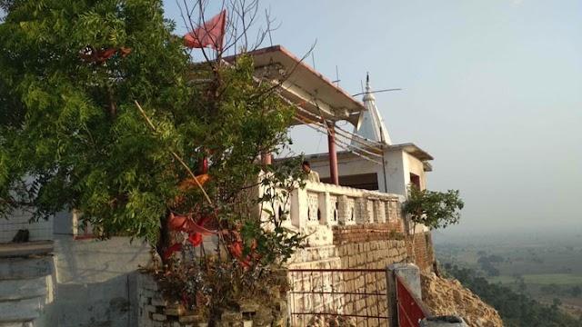 मप्र में है अर्द्धकुंवारी माता का मंदिर: आधी रात को अर्जी लगती है, अष्टमी को लगता है दरबार | MAA ARDHKUWARI KA MANDIR HARPALPUR CHHATARPUR
