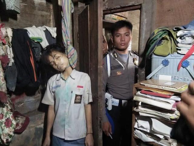 Gadis Cantik Pelajar SMA Bunuh Diri di Nias Dalam Keadaan Pakai Seragam