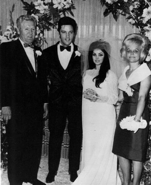 Elvis Wedding: 45 Candid Photographs Of Elvis And Priscilla Presley On