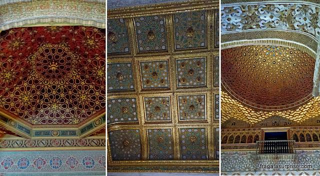 Decoração dos tetos dos salões do Real Alcázar de Sevilha