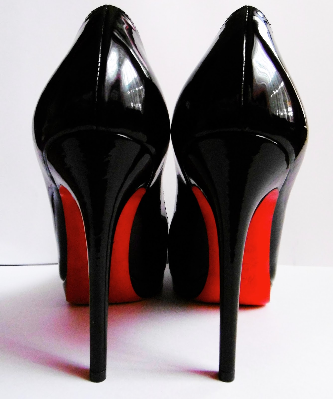 Red Sole Shoes Replica Uk