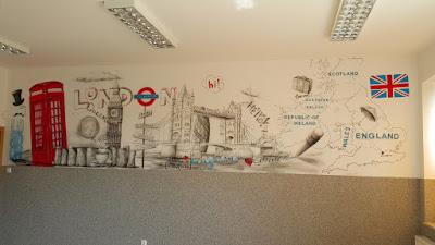 Malowanie klasy szkolnej, Jak pomalować klasę, malowanie klasy językowej, mural 3D w szkole, aranżacja sali językowej, ciekawy sposób na aranżację przestrzeni w sali lekcyjnej języka Angielskiego