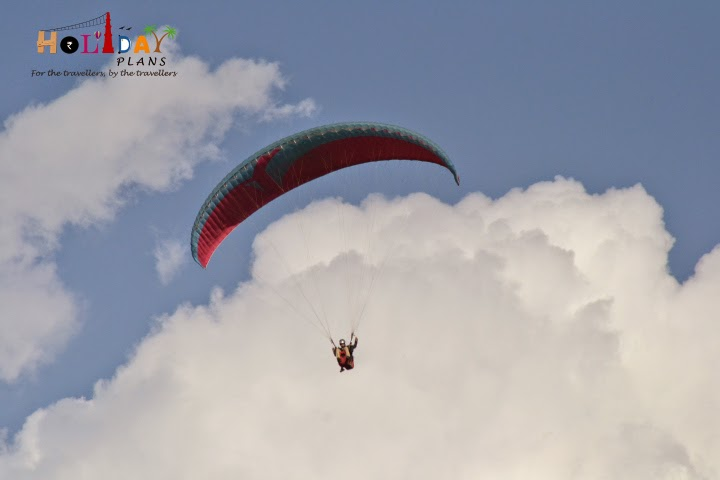 Paragliding in bir billing in kangra district in Himachal Pradesh
