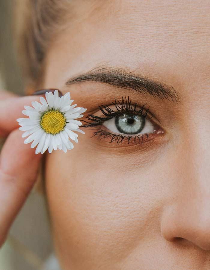 Veja dicas de cuidados com pele oleosa que ajudarão você a controlar a oleosidade da sua pele e deixá-la mais saudável