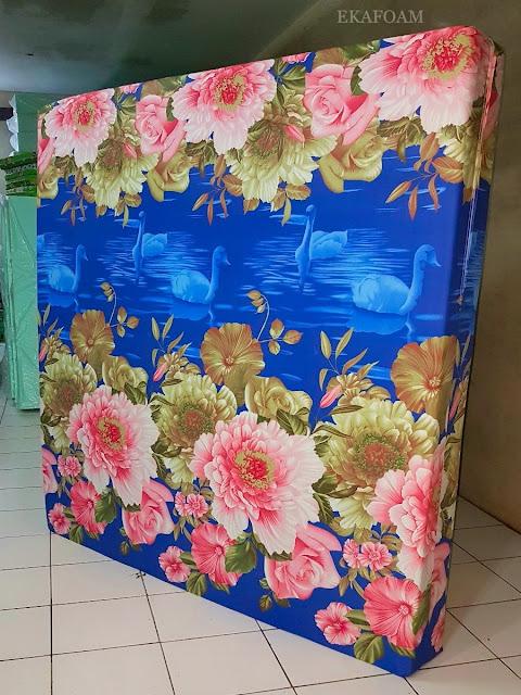 Kasur inoac motif bunga roseline biru