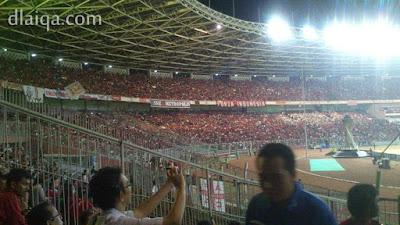suasana di dalam stadion Gelora Bung Karno