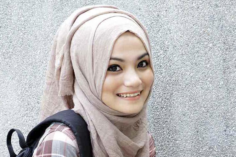 cara merawat rambut wanita hijaber