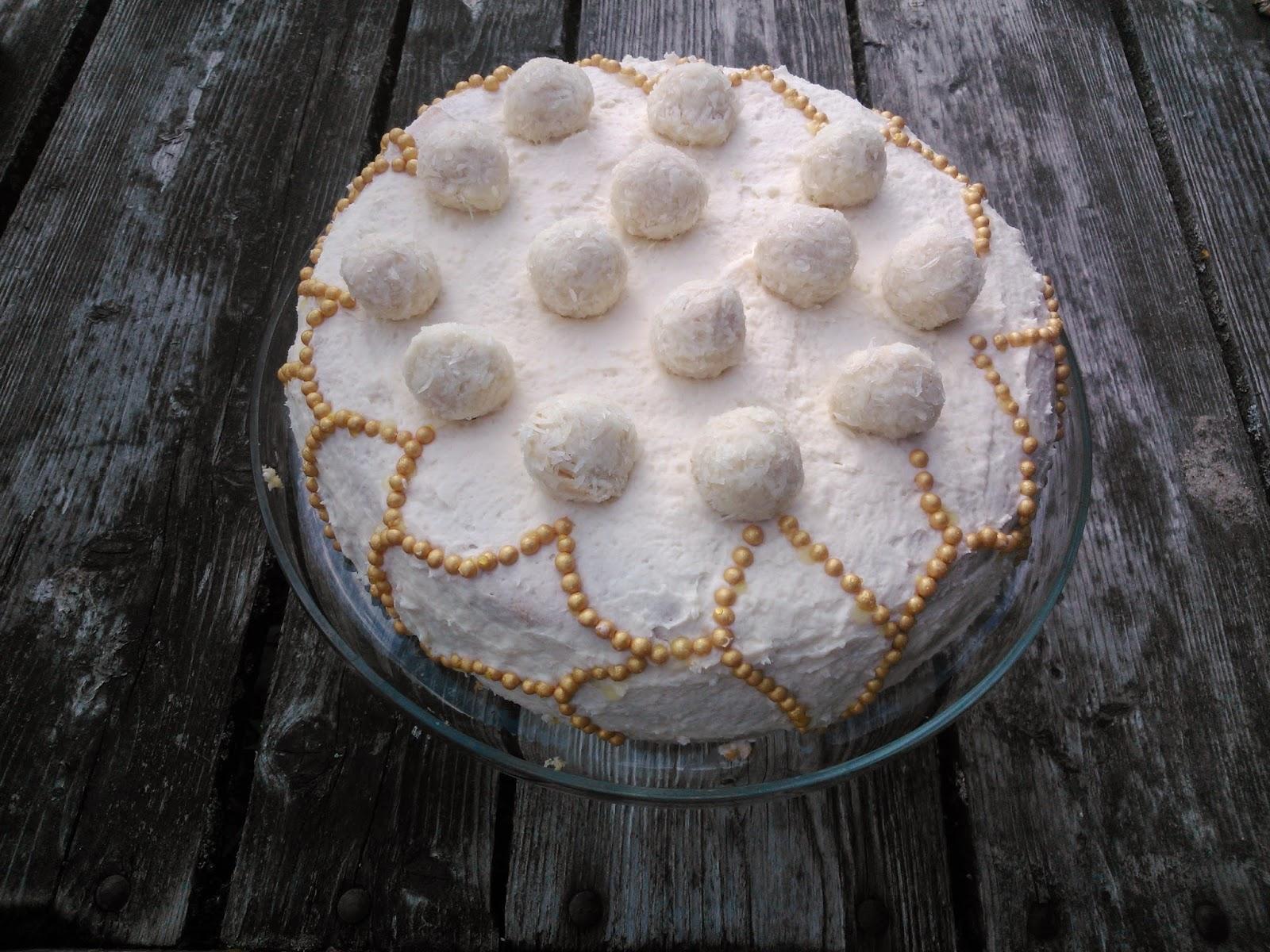 Tort Rafaello (krem budyniowy, krem kokosowy).