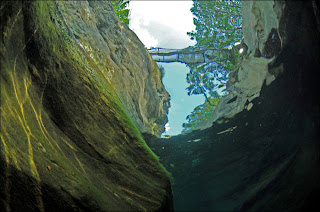 Sungai+Terjernih+Di+Dunia+(6).jpg