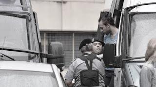 Casanello había ordenado el secreto de sumario el 28 de marzo pasado y lo levantó ayer. Durante ese lapso, el magistrado dispuso el seguimiento de todos los imputados en la causa para conocer sus movimientos y evitar posibles maniobras de fuga o entorpecimiento de la investigación.