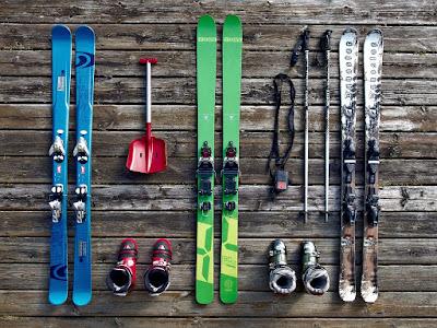 sífelszerelés, Tarom, téli sportfelszerelés, utazás, poggyász-szabály