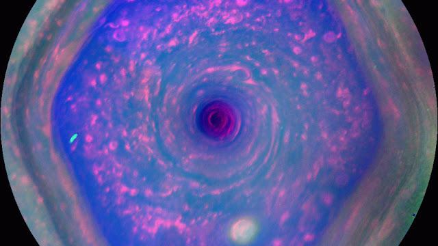 Hallazgo estratosférico: El hexágono polar de Saturno no se limita a las nubes