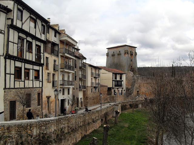 Doña Urraca, Covarrubias imprescindible Burgos