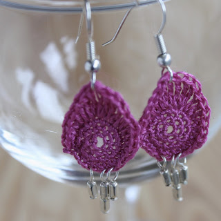 Crochet teardrop earring :: Embellished Elephant
