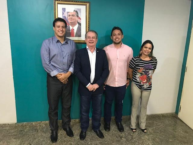 EDUCAÇÃO: Levi Pontes consegue mais benefícios com secretário Felipe Camarão para o Baixo Parnaíba