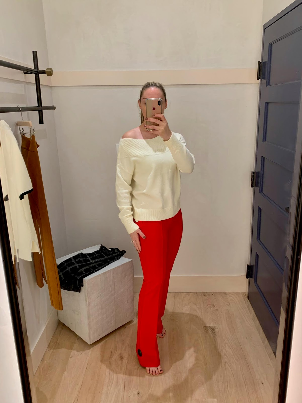 1c4cf2e6e975 ... but preferred the looser fit. This sweater is available in four colors,  and I think it will look fabulous with skinny jeans and leopard heels, ...