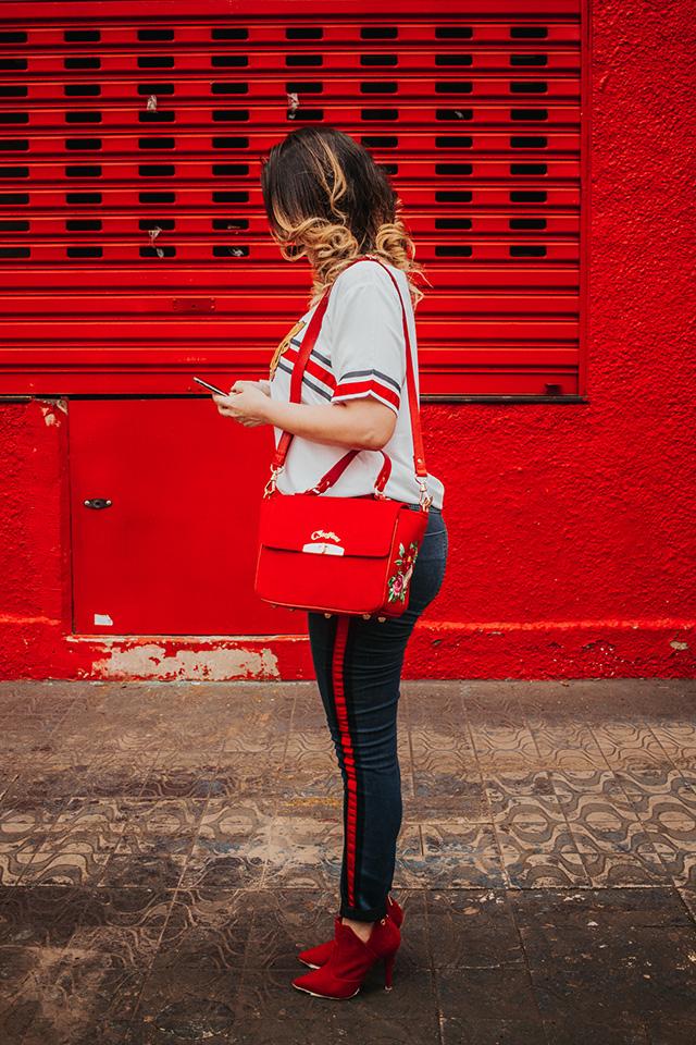 carmen steffens, carmen steffens ribeirão preto, vermelho 2018, como usar bota vermelha, calça jeans listras laterais, outono inverno 2018, blogueira de moda em ribeirão preto, blog camila andrade, o melhor blog de moda