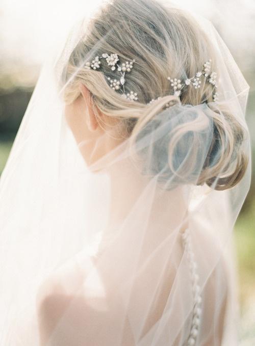 lamb & blonde: Wedding Wednesday: Lovely Hair and Veils